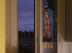 Guy can't see the Eiffel Tower from his Bed, so he builds this awesome Periscope to see it [DIY ideas]